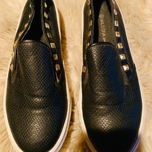 Shoes - Platform sneakers studded super cute and comfy!!